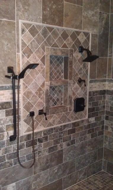 312 Club Cove Drive Nenno Residence bathroom
