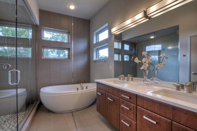 3155 E. Jewell Ave contemporary-bathroom