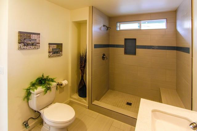 323 Horne St, Oceanside, Ca bathroom