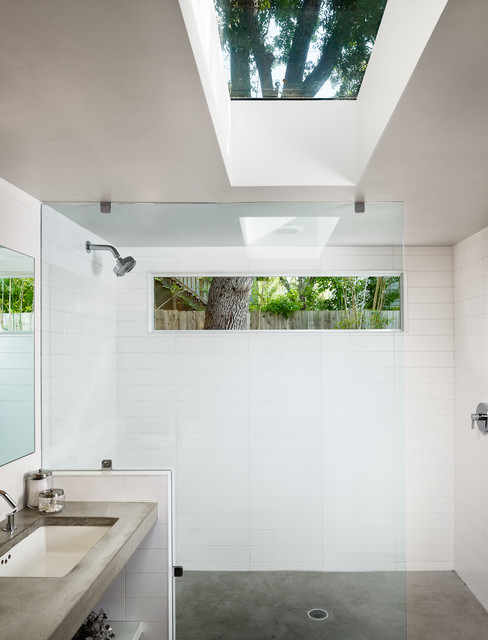 Contemporary Bathroom by Clayton&Little Architects