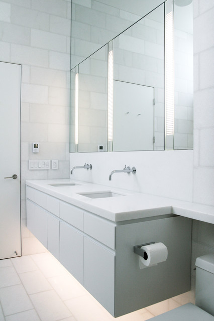 35 Liberty Street modern bathroom