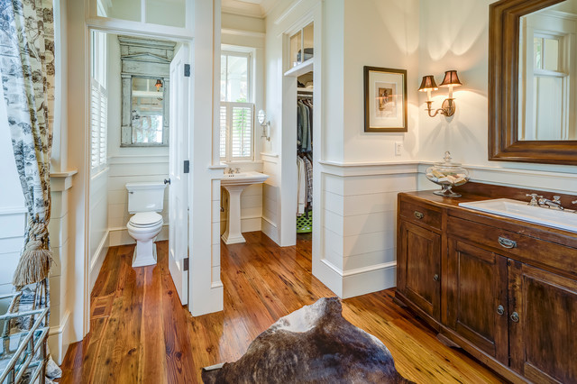 4 Pinckney Point Traditional Bathroom