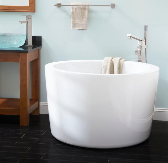 "41"" siglo round japanese soaking tub - modern - bathroom"