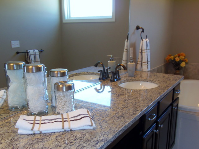 4409 Repass Dr Carmel Traditional Bathroom Indianapolis By Center Stage Design