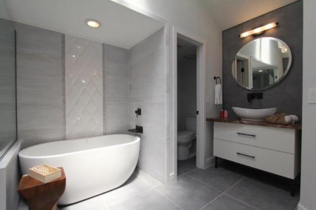 510 Manor Rd Modern Mediterranean Modern Bathroom Orlando By Daze Design Studios