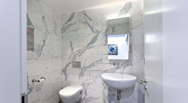 5535 Parthenon Place modern-bathroom