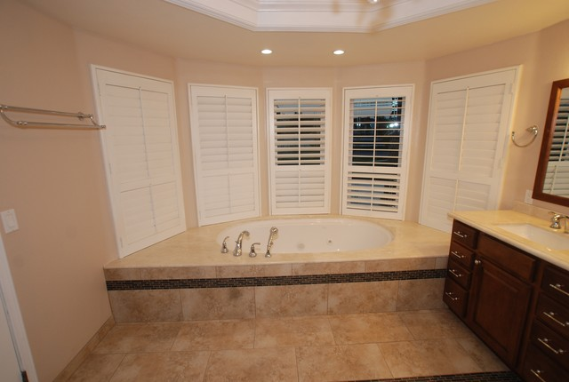 6 Foot Tub in Window Alcove & Glass Tile Inlaid Floors ...