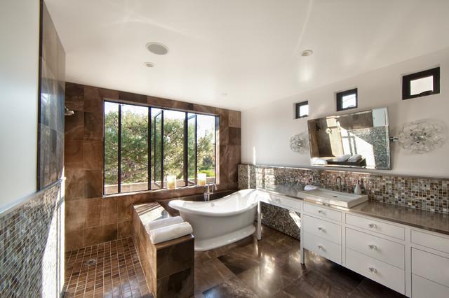 62nd Street Newport Beach traditional-bathroom