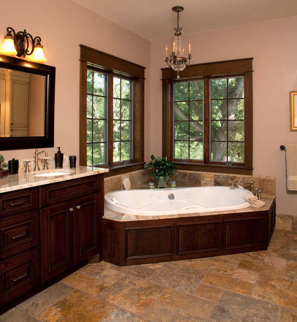 A country setting traditional-bathroom