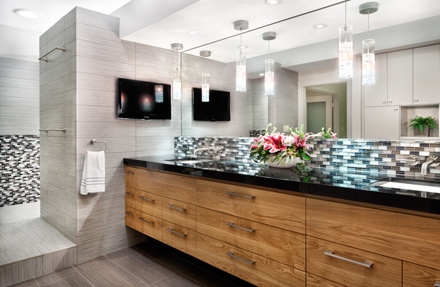 A house with zip contemporary bathroom austin by for Bathroom design austin tx