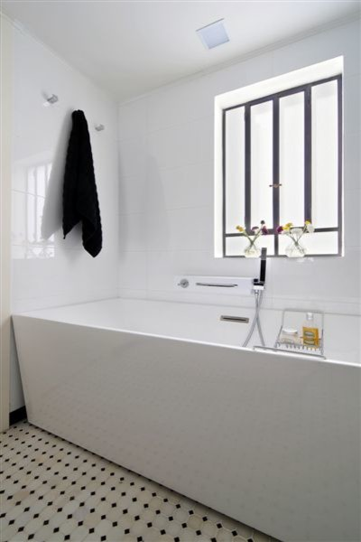 contemporary bathroom by NURIT GEFFEN-BATIM STUDIO