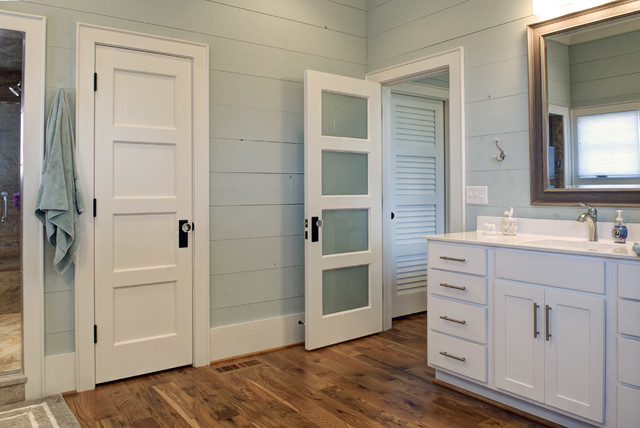 A Modern Farmhouse in Coastal NC modern-bathroom & A Modern Farmhouse in Coastal NC Pezcame.Com