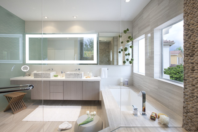 A Modern Miami Home modern bathroom