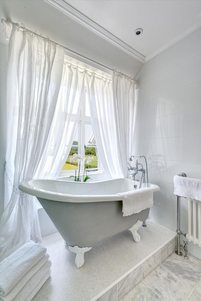 Claw-foot bathtub - traditional claw-foot bathtub idea in Devon