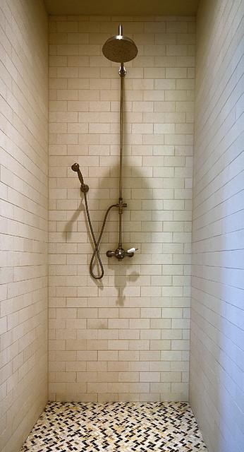 A Reserve Retreat modern-bathroom