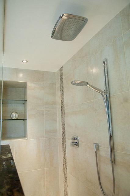 A touch of glamour traditional-bathroom