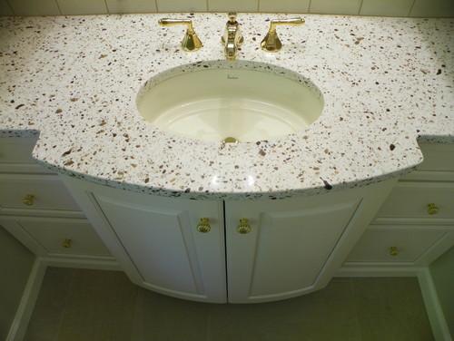 A vanity topped with Silestone's® Seleno Quartz.