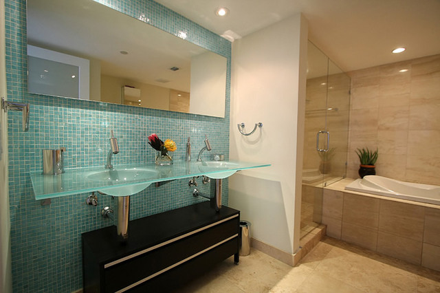 accent tile wall in bathroom - modern - bathroom - miami -glass