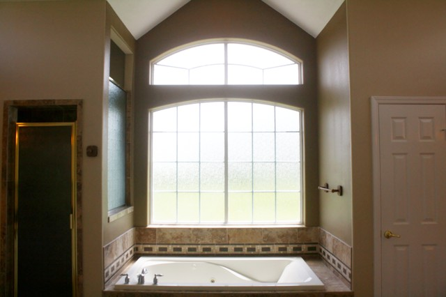 Accent Walls, Insets, & Ceiling Trays traditional-bathroom