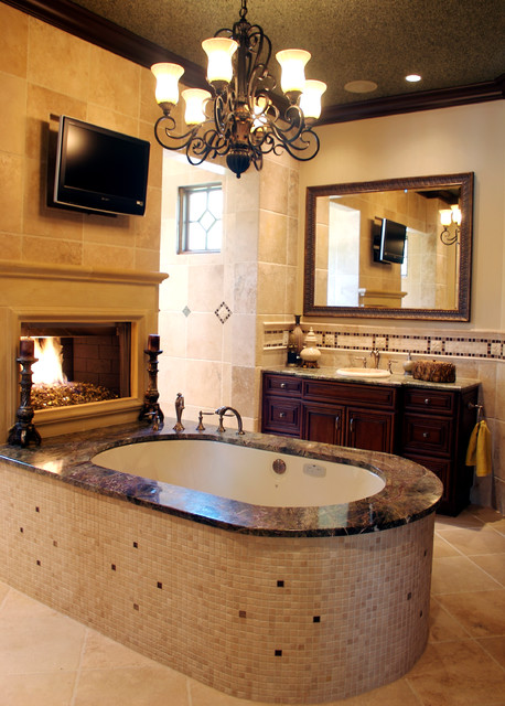Adirondack chalet trump national golf course charlotte for Adirondack bathroom ideas