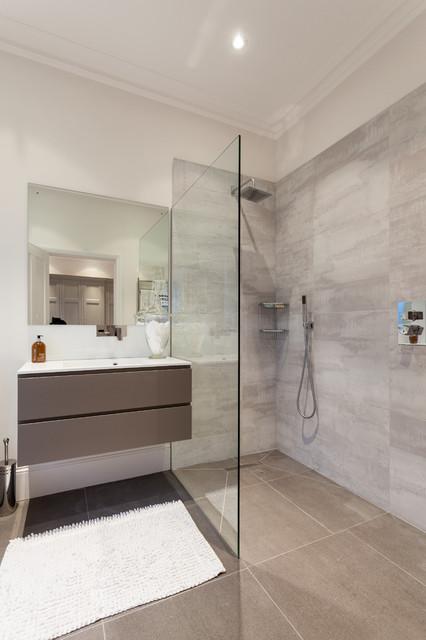 Advantage basements london contemporary bathroom for Advantage basements