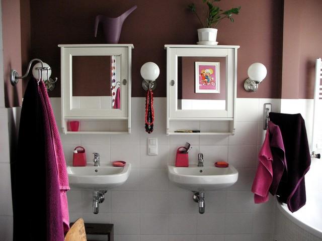 Agata Winer contemporary-bathroom