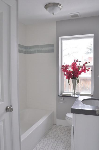 Alden Ave beach-style-bathroom