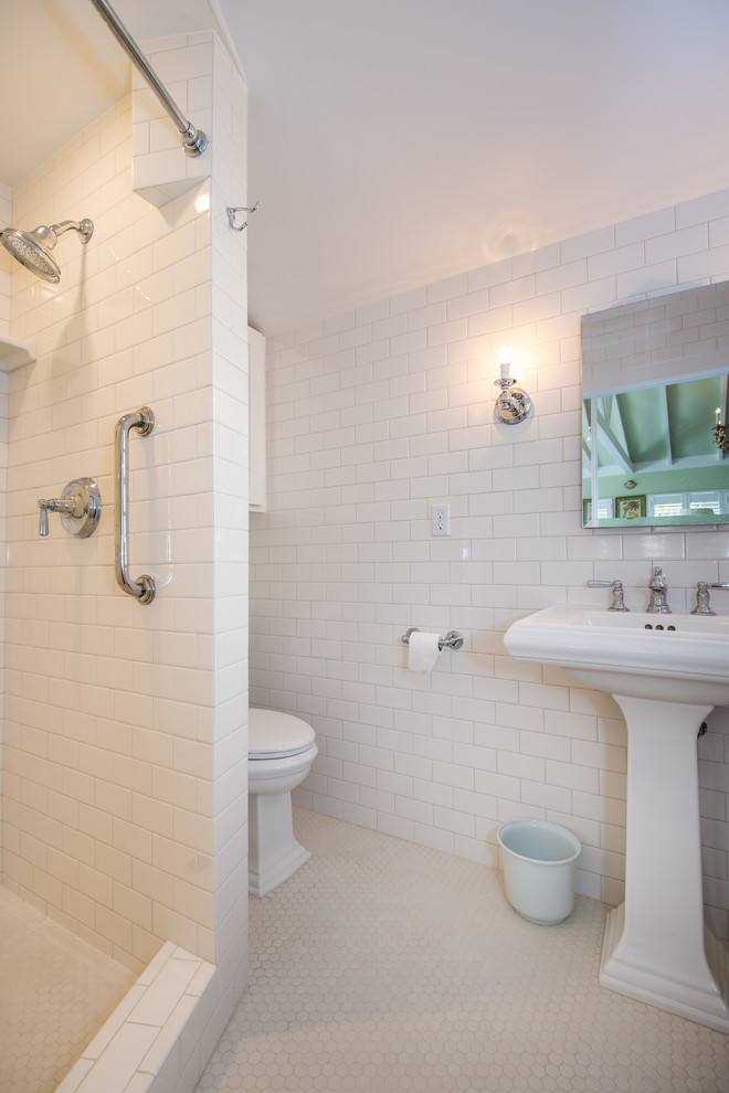 Mid-sized elegant 3/4 white tile doorless shower photo in Hawaii with white walls