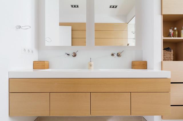 alstervilla hamburg harvestehude bad modern badezimmer hamburg von architekturfotografie. Black Bedroom Furniture Sets. Home Design Ideas