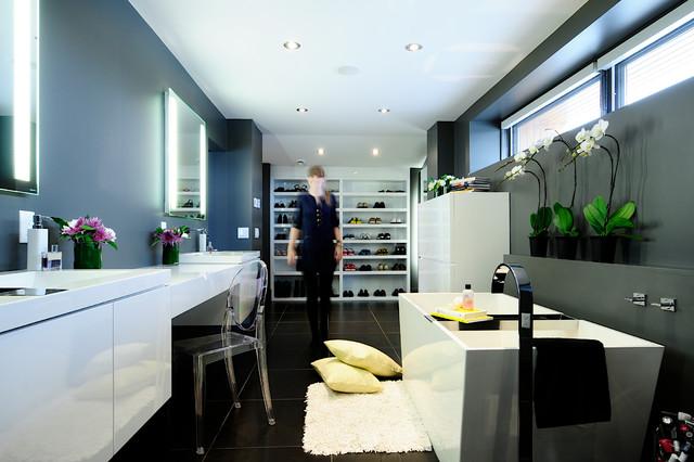Amanda hamilton interior design modern bathroom for Bathroom decor calgary