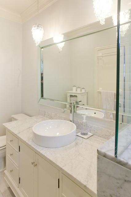 Amaya modern-bathroom