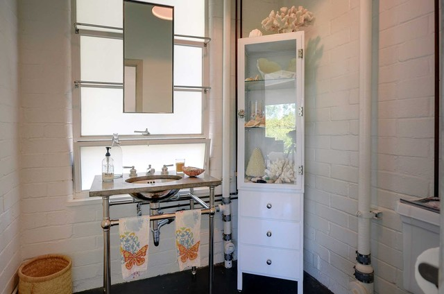 Amy Neunsinger & Shawn Gold House modern-bathroom