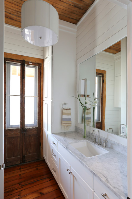 Amy Trowman Design - Beach Houses traditional bathroom