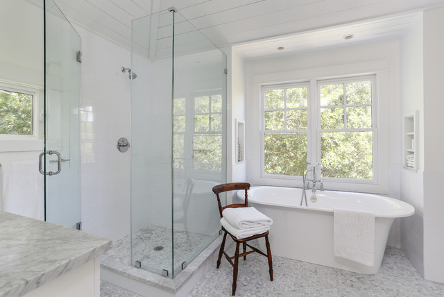 Example Of A Transitional Freestanding Bathtub Design In San Francisco