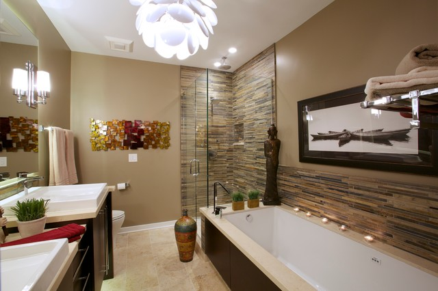 An urban bathroom remodel in chicago modern bathroom for Bathroom design chicago