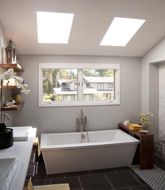 Anat Shmariahu modern-bathroom