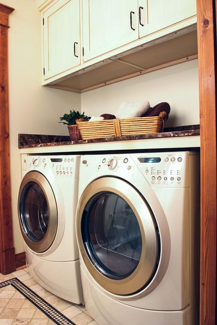 Angie Keyes CKD- DesignWorks- Kitchen & Bath traditional-bathroom