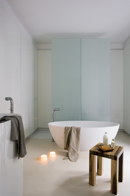 Apartment Gothic Quarter contemporary bathroom