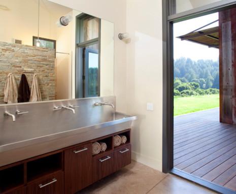 CCS ARCHITECTURE modern-bathroom