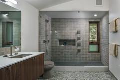 New This Week: 10 Bathrooms With Wonderful Walk-In Showers