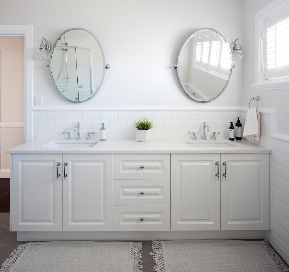 Arrol - Traditional - Bathroom - Brisbane - by Lindon ...