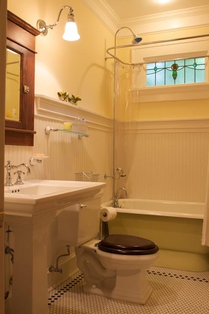 Arts & Crafts traditional-bathroom