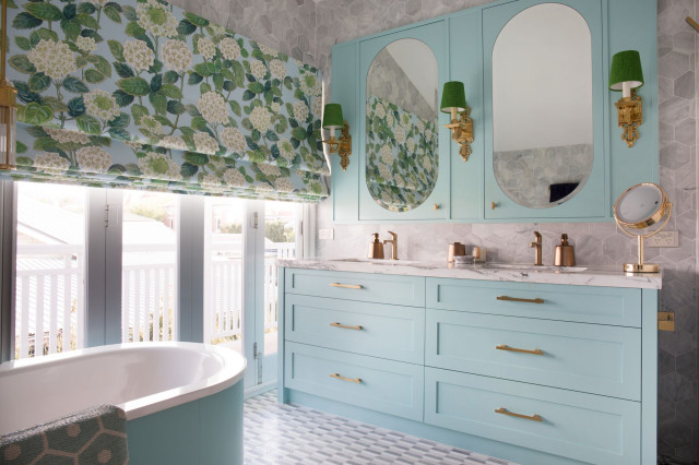 10 Bathrooms With Calming Color Palettes, Calming Colors For Bathroom