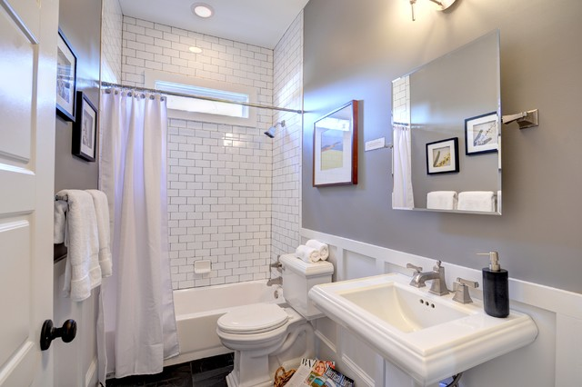 Atlanta ave traditional bathroom atlanta by carl Bathroom design centers atlanta