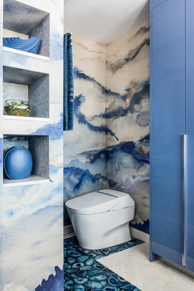 Example of a trendy bathroom design in Miami