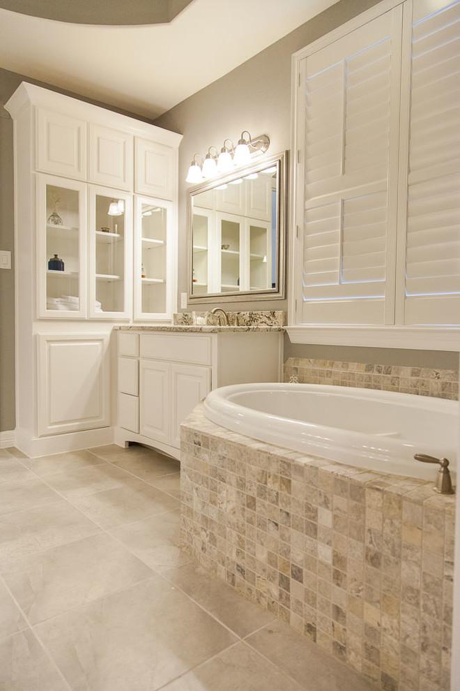 Aurora Rd Home in Richmond, TX - Contemporary - Bathroom ...