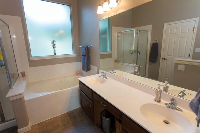 Austin Interior Repaint - Traditional - Bathroom - austin - by Fresh Coat North Austin