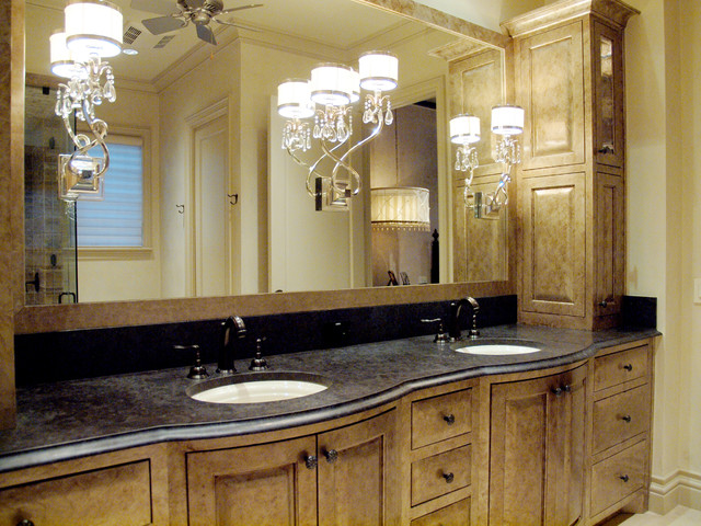 Austin Pemperton Heights traditional-bathroom