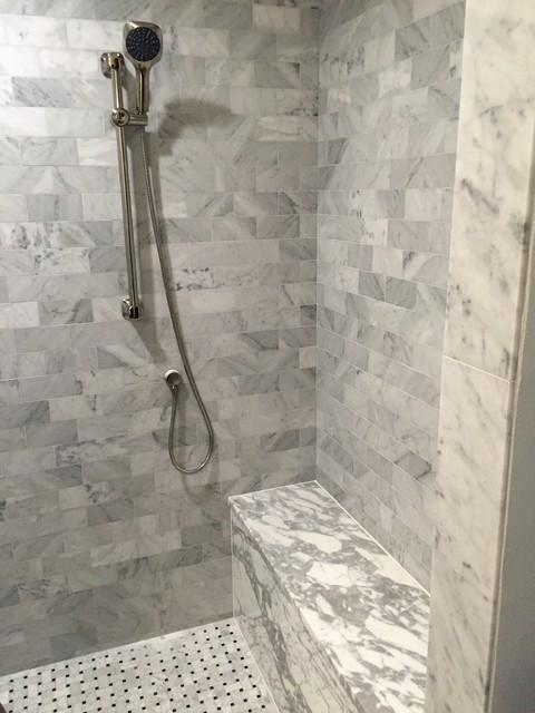 Example of a classic bathroom design in Austin