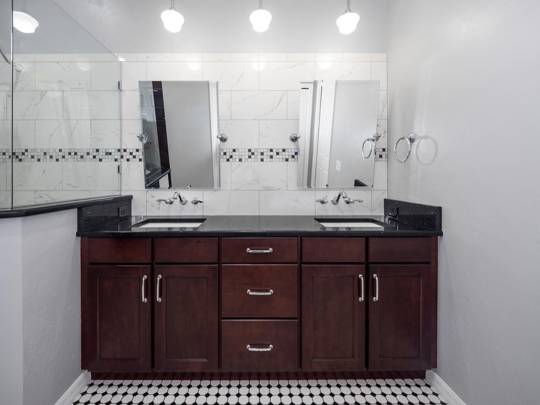 Avalon Master Bathroom
